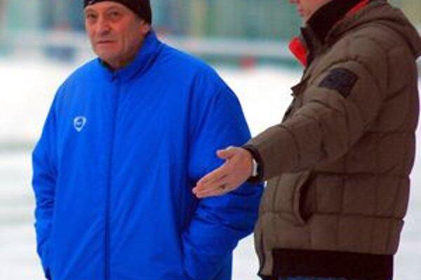 Tréner Dušan Radolský bude môcť na turné v Nemecku rátať aj s uzdraveným kapitánom Zdenom Štrbom.