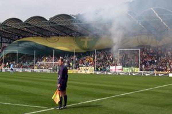 Futbalový štadión v Žiline. Už onedlho tu možno hodia aj buly.