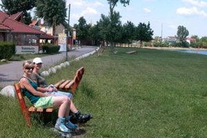 Senecké jazerá v hlavnej sezóne navštevovalo asi milión domácich a zahraničných turistov.