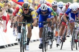 Peter Sagan končí tretí v 7. etape na Tour de France 2018, víťazí Dylan Groenewegen.