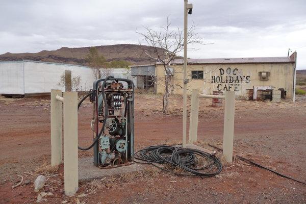 Wittenoom sa zmenil na mesto duchov. Úrady vyzývajú turistov, aby sa kontaminovanému mestu vyhýbali.