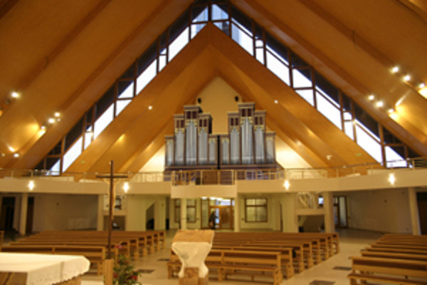 Po premiestnení hudobného nástroja do kostola na sídlisku Vlčince.
