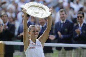 Angelique Kerberová oslavuje tretí grandslamový titul v kariére.