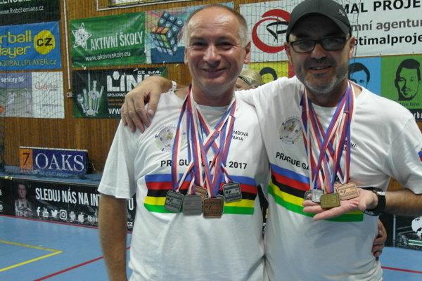 Peter Tydlačka (vľavo).