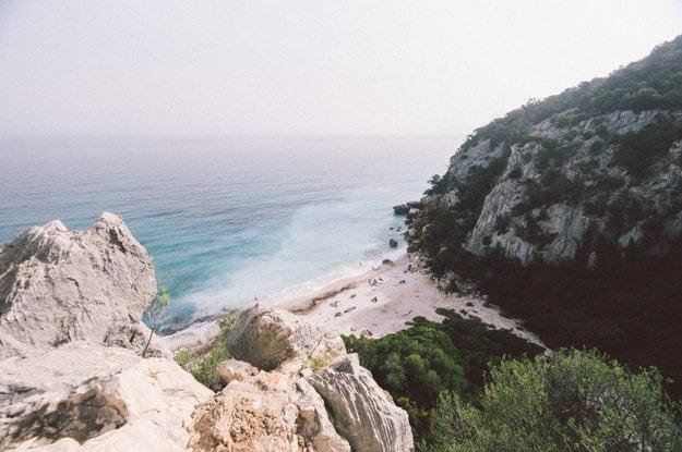 Jedna z pláží Sardínie