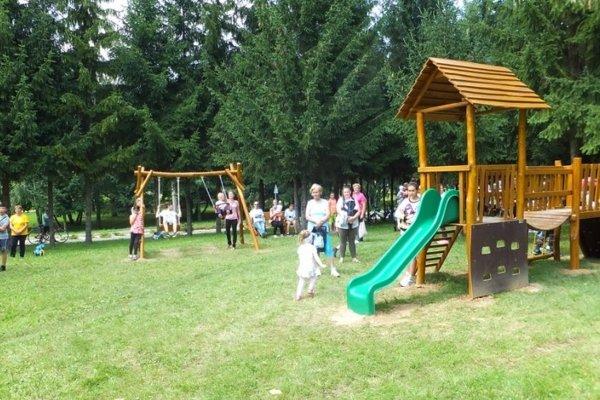 Nové detské ihrisko v Čereňanoch.
