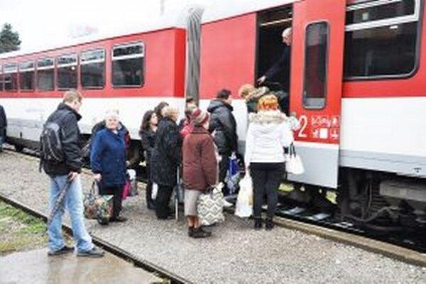 Bezplatné cestovanie zvýšilo záujem o železnicu.