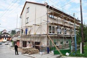 Materská škôlka bude mať o tri mesiace novú fasádu.