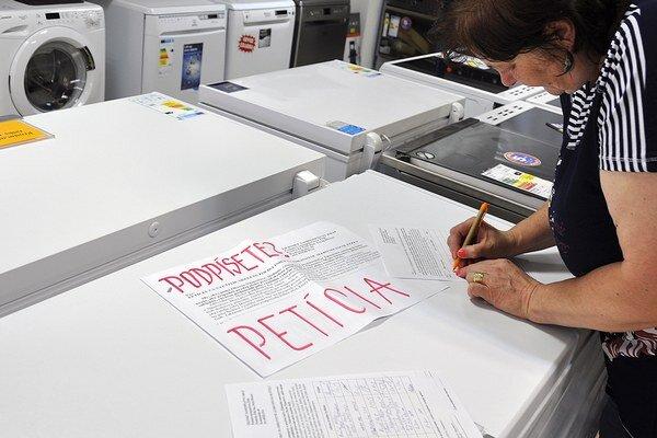 Organizátori petície plánujú vyzbierať 10-tisíc podpisov.