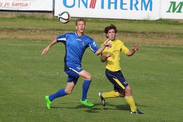 Dolný Kubín (v modrých dresoch) odohral už tretí prípravný zápas.