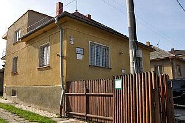 Súčasné sídlo Správy CHKO na Bernolákovej ulici. Centrum s múzeom sa tam stratí.