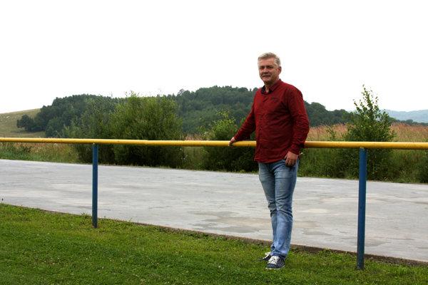 Starosta Peter Mikula.