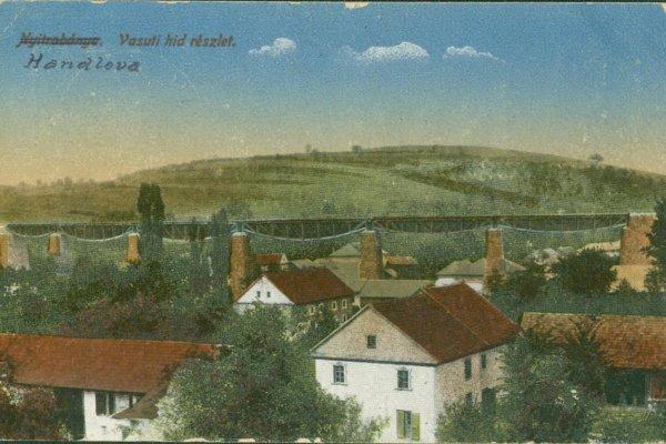 Pohľadnica Handlovej snázvom prepísaným zmaďarského na slovenský.