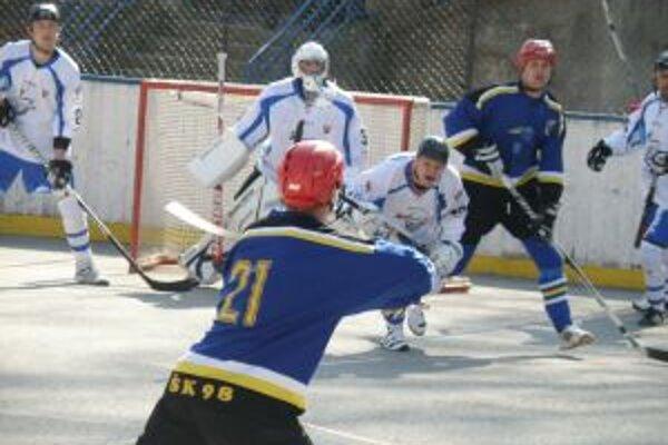 Pruské (v modrom) vyhralo iba jeden zápas vo štvrťfinále, a tak ďalej ide Martin.