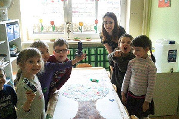 Práca s deťmi Lenku  nadchla, možno sa im bude venovať aj po doštudovaní.