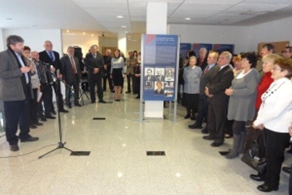 Výstavu otvoril autor výstavného projektu Mgr. Peter Cabadaj. Vernisáže sa zúčastnili účastníci seminárneho stretnutia.