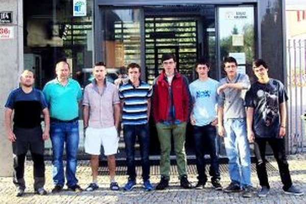 Zľava: Rastislav Bažík, Dušan Pavlov, Branislav Stanislav, Lukáš Michalčík, Benjamin Ovšák, František Švec, Adam Furjel a Šimon Chromek.