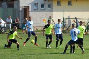 V pohárovom zápase prehrali doma Jacovce s Krušovcami 1:2.