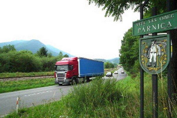Na tomto úseku pred dedinou čoskoro pribudne značka s maximálnou povolenou rýchlosťou 70 kilometrov za hodinu.