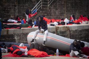 Utečenci dorazili do španielského prístavu.