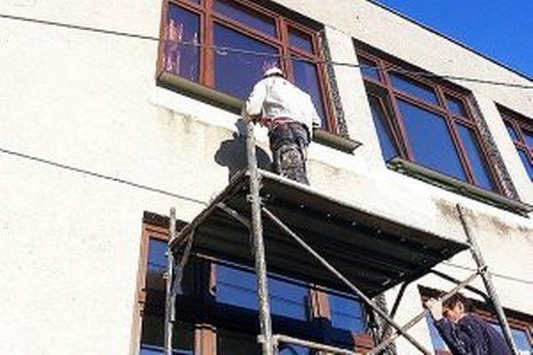 Firma stihla rekonštrukciu počas letných prázdnin.