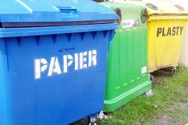 Do týchto kontajnerov sa zmestí aj väčší odpad.