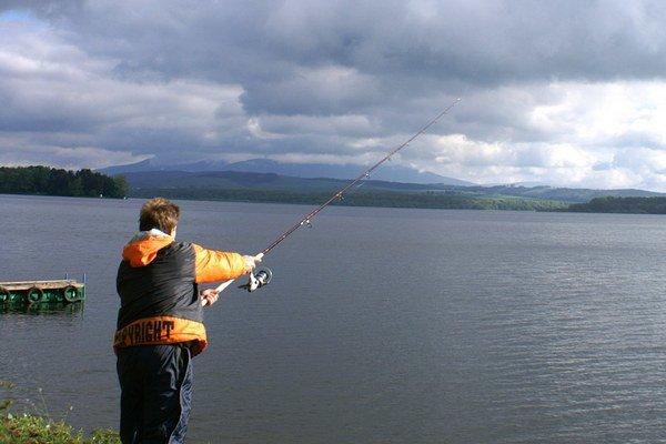 Čoraz viac rybárov si uvedomuje, že lepšie je mať všetky doklady v poriadku, ako čeliť trestnému stíhaniu.