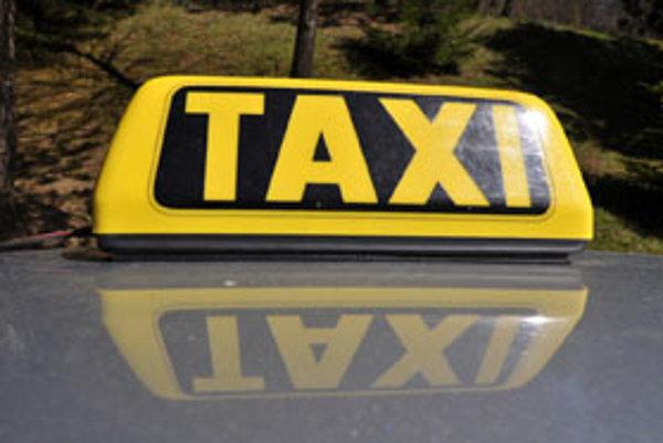 Niektorým taxislužbám pravdepodobne zvoní umieráčik.