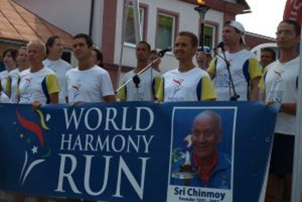 Medzinárodná účasť. Medzi slovenskými bežcami boli aj športovci z ďalších ôsmich európskych krajín.