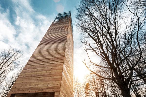 Vyhliadková veža na Dubni Žilina autori: Gábor Nagy, Ladislav Vikartovský