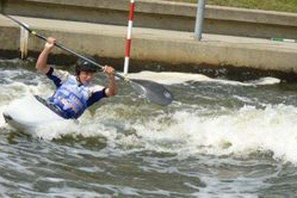 Samuel Stanovský bojuje s divokou vodou.