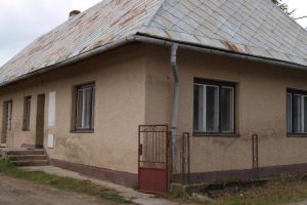 Zadná časť urbárskeho domu je prenajatá, predok je dva roky prázdny.