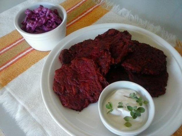 Placky z červenej repy a zemiakov