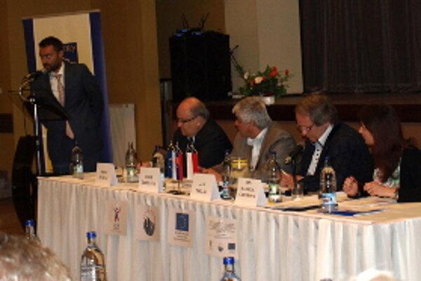 K účastníkom sa prihovoril aj konzul Tomáš Kašaj.