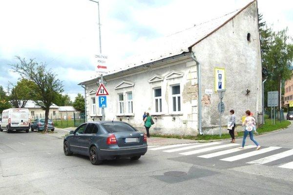 Po Kollárovej ulici sa bude jazdiť už len v smere od tržnice na Prieložtek.