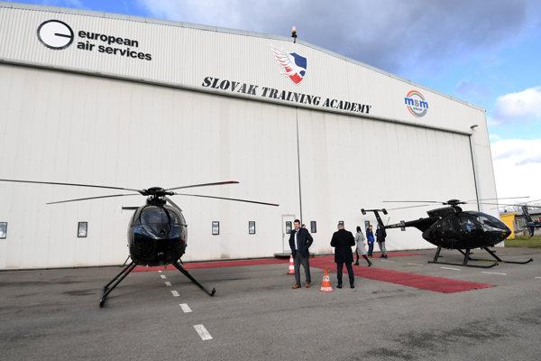 Výcvikové stredisko pilotov vrtuľníkov otvorili slávnostne vlani v októbri.