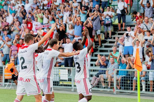 Trenčín oslavuje postup cez Feyenoord.