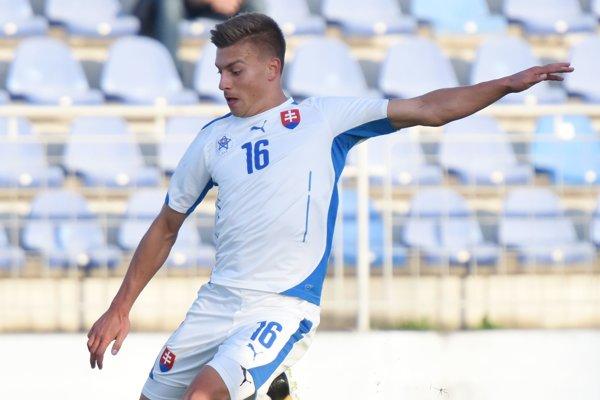 Michal Tomič v drese reprezentácie do 19 rokov.