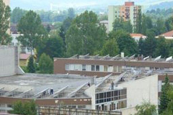 Na streche mestského kultúrneho strediska bude fotovoltaická elektráreň.