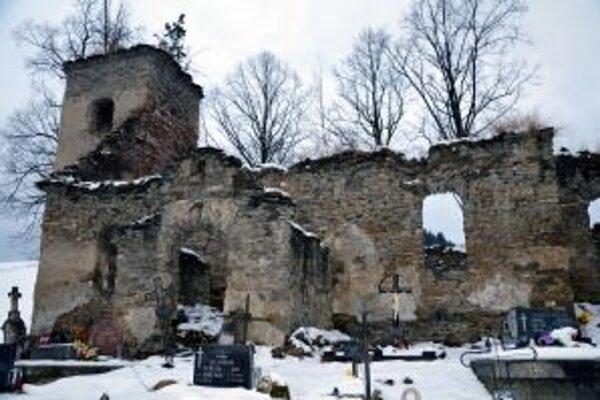 Ruiny zázrivského kostolíka.