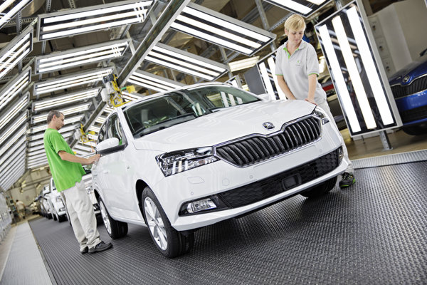 Z výrobných liniek začala schádzať modernizovaná Škoda Fabia.