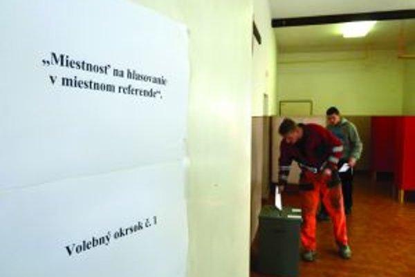 Viac ako polovica občanov Babína rozhodla o odvolaní Petra Laťáka z funkcie starostu.