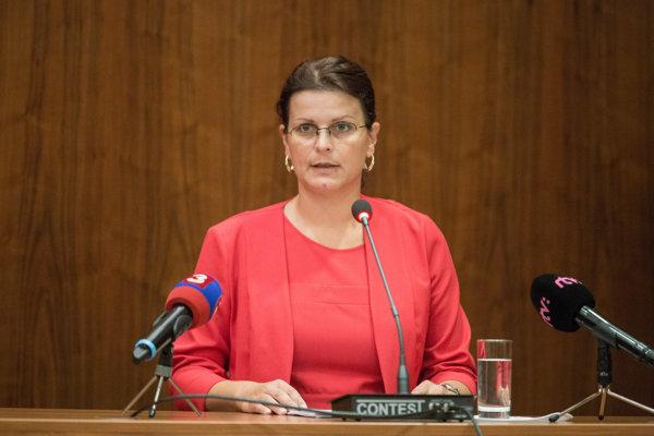 Kandidátka na členku rady ÚVO Ľubica Rodinová počas verejného vypočutia kandidátov na členov Rady Úradu pre verejné obstarávanie.