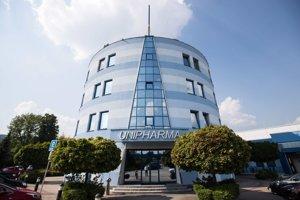 Unipharma sídli v Bojniciach, napriek tomu sa Marianovi Kočnerovi podarilo právnickým trikom docieliť, že firmu zažaloval v Košiciach.