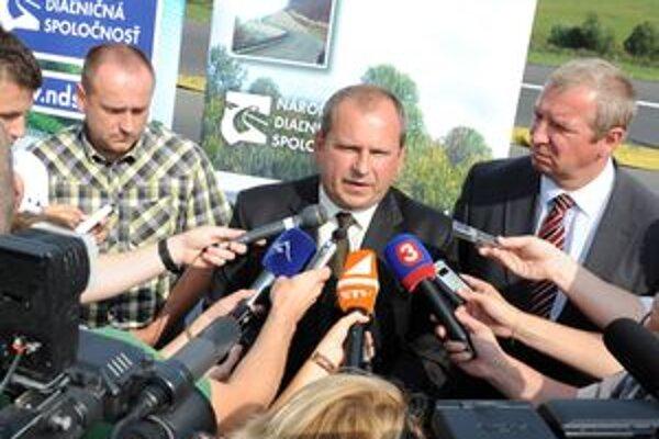 Úsek rýchlostnej cesty R3 Trstená obchvat príde 12. novembra otvárať aj generálny riaditeľ Národnej diaľničnej spoločnosti Igor Choma.