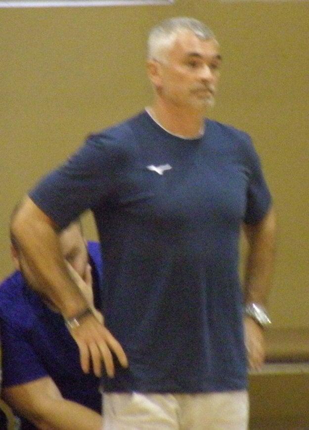 Tréner MHC Štart Peter Sporni.