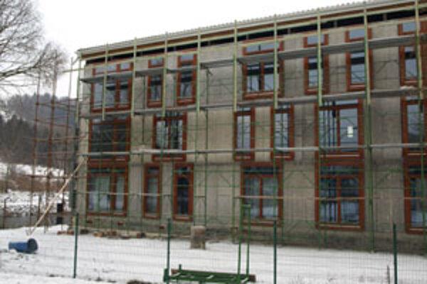 Nízkoenergetický dom na Nábreží Oravy v Tvrdošíne - jeden z troch pilotných projektov programu ministerstva výstavby.