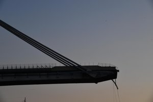 Pohľad na časť Morandiho mosta v Janove.
