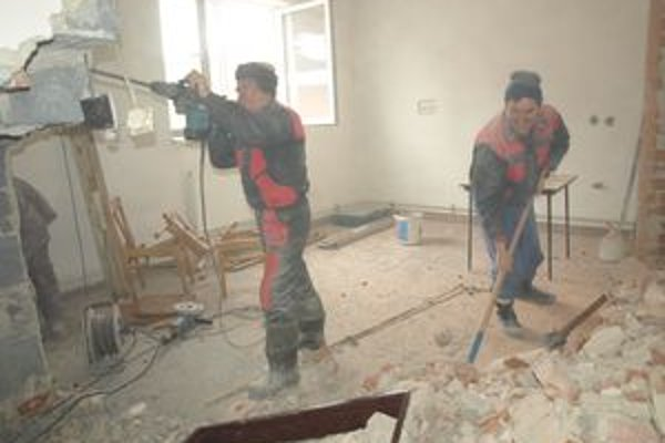 Búracie práce v brezovickom kultúrnom dome prebiehali od začiatku tohto roka.