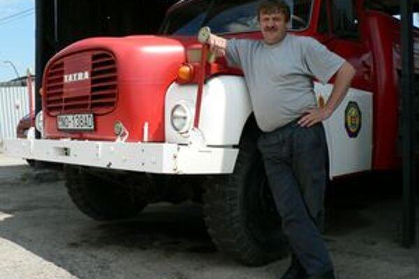 Spolu s týmto zásahovým vozidlom je Stanislav Kormaňák služobne najstaršou súčasťou námestovskej hasičskej stanice.